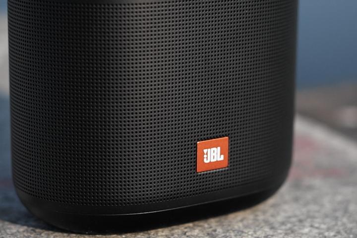 Обзор портативной колонки JBL Tuner XL FM