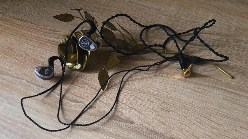 Обзор Hi-Fi наушников 64 Audio U12t. Сдержанная роскошь