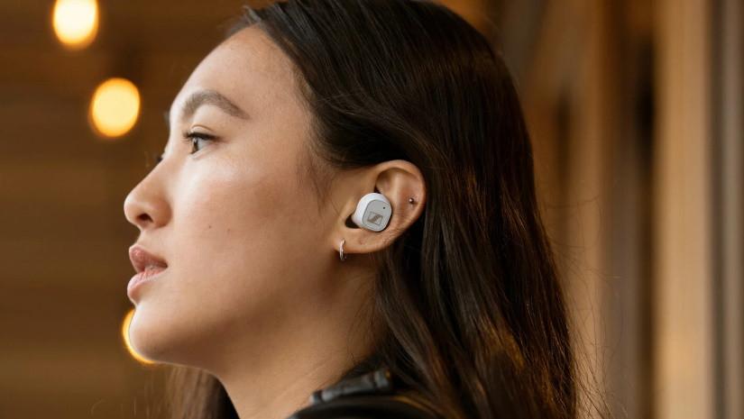 Sennheiser CX PLUS True Wireless — бюджетные наушники с шумоподавлением от немецкого бренда