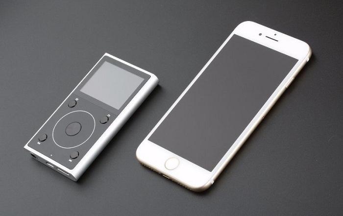 то что нужно брать всегда с собой! самый эффективный способ сохранить заряд на iphone и других смартфонах. звучание айфона ничто по сравнению с этим аудио плеером. теперь ты видел все, теперь осталось послушать и убедится!